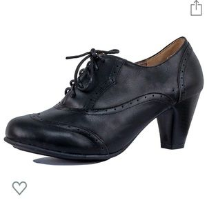 Guilty Mary Jane Oxford Retro Pumps